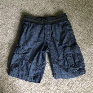 ➡️Chambray GAP cargo shorts!  Size L boys!🌟